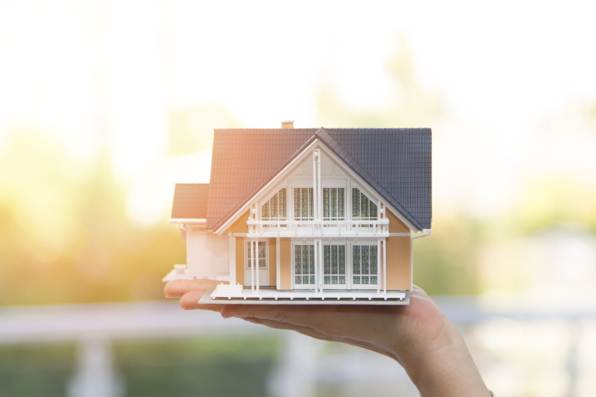 家を売る手順の仲介と買取、及び高く売るために必要なこと